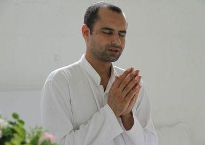 The Healing Power of Yoga with Yogi Charat